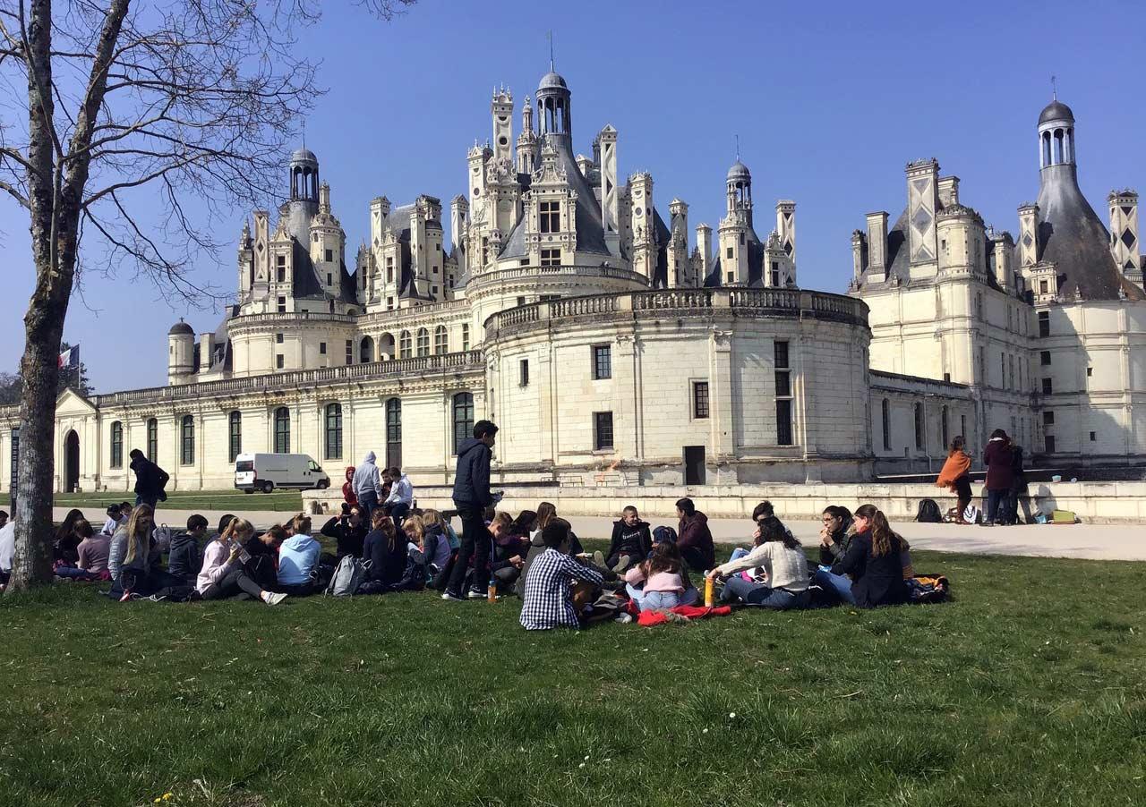 Picknick-vor-dem-Schloss-Chambord_ba
